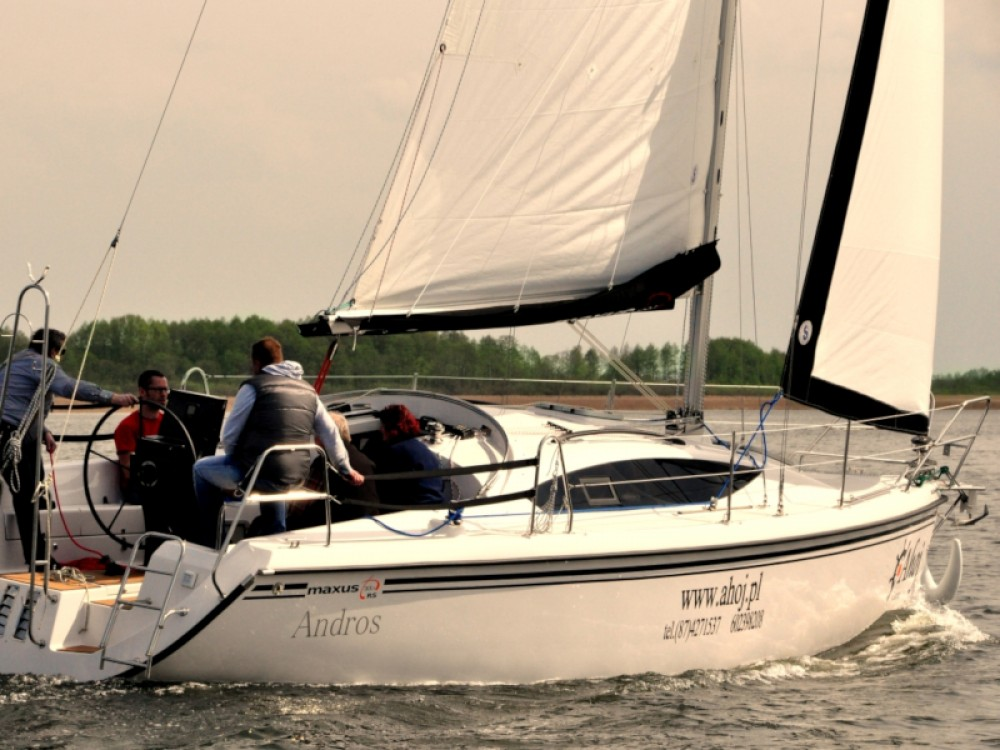 Boat rental Northman Maxus 33.1 RS Prestige in Wilkasy on Samboat