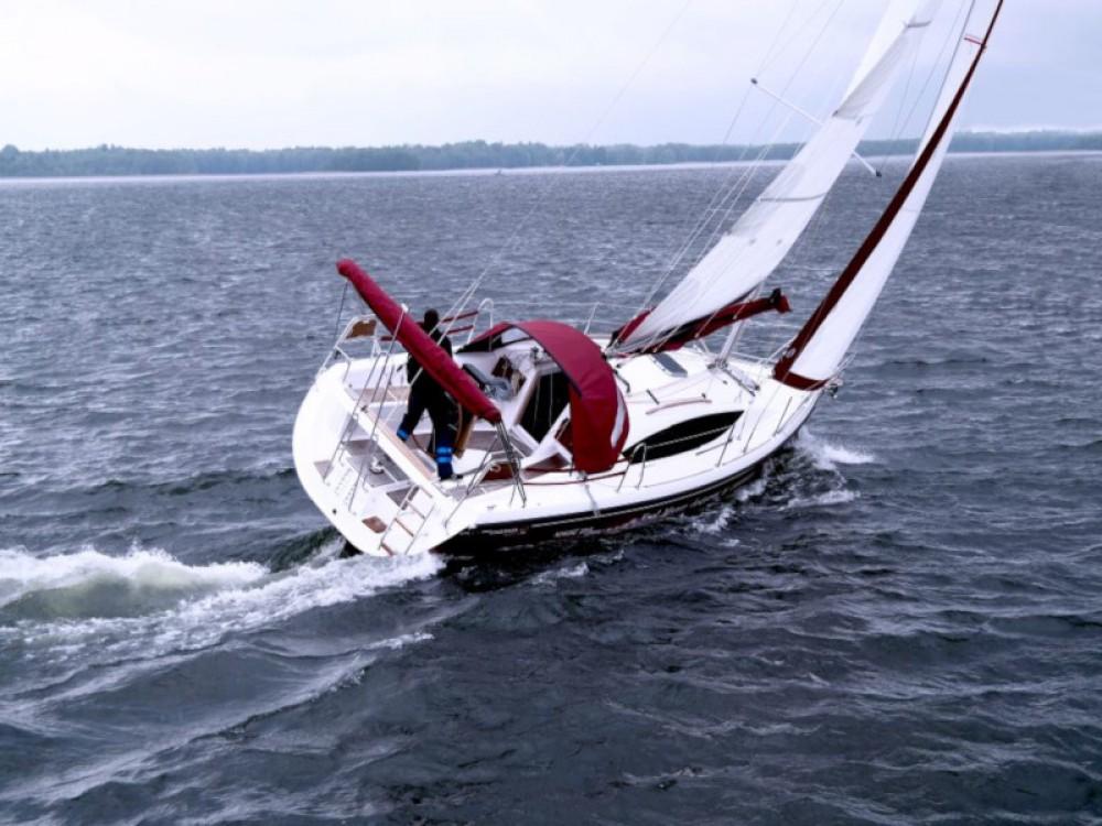 Boat rental Northman Maxus 33.1 RS Prestige in Port PTTK Wilkasy on Samboat