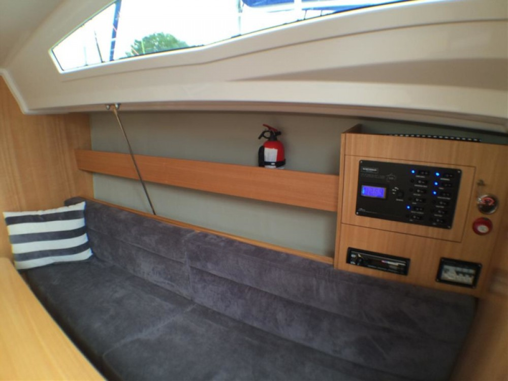 Boat rental Northman Maxus 26 Prestige 7/2 in Wilkasy on Samboat