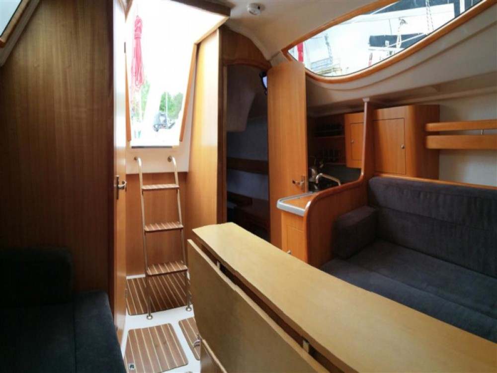Rental Sailboat in Węgorzewo - Northman Maxus 28 Standard
