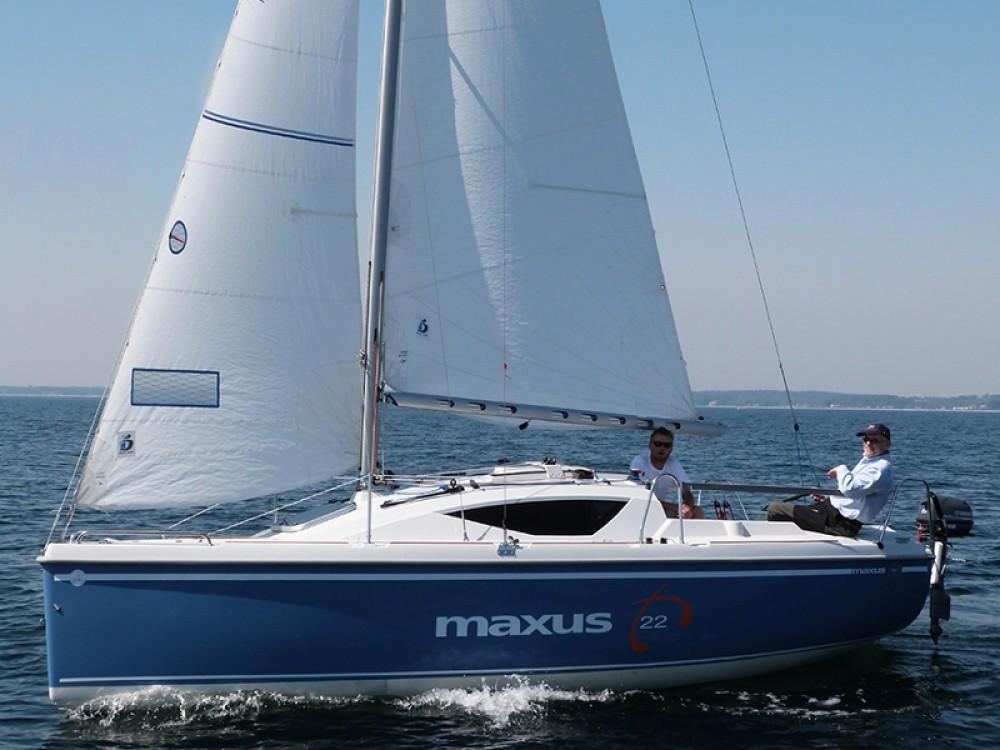 Boat rental Northman Maxus 22 Prestige in Port PTTK Wilkasy on Samboat