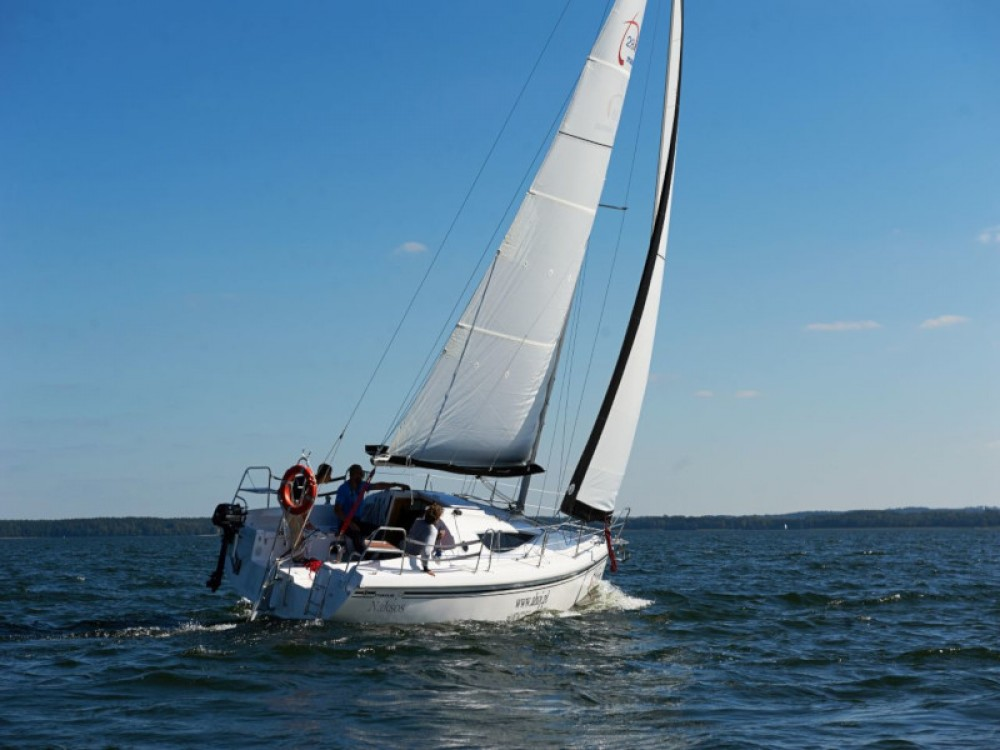 Sailboat for rent Port PTTK Wilkasy at the best price