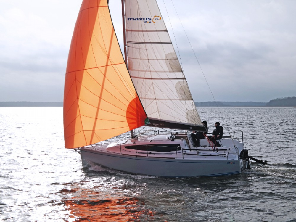Boat rental Northman Maxus 26 Prestige in Wilkasy on Samboat