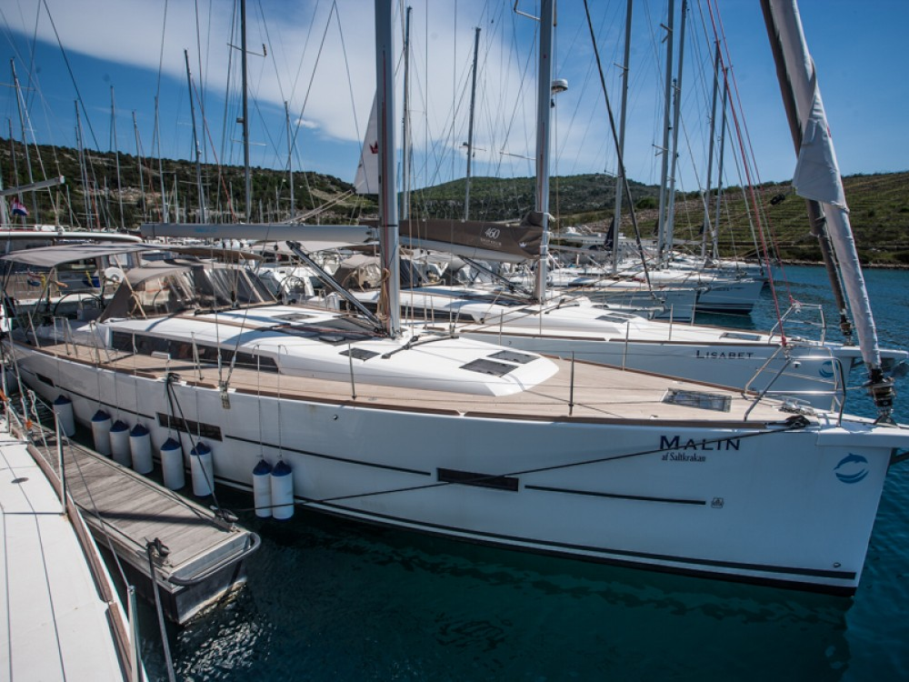 Sailboat for rent Primošten at the best price