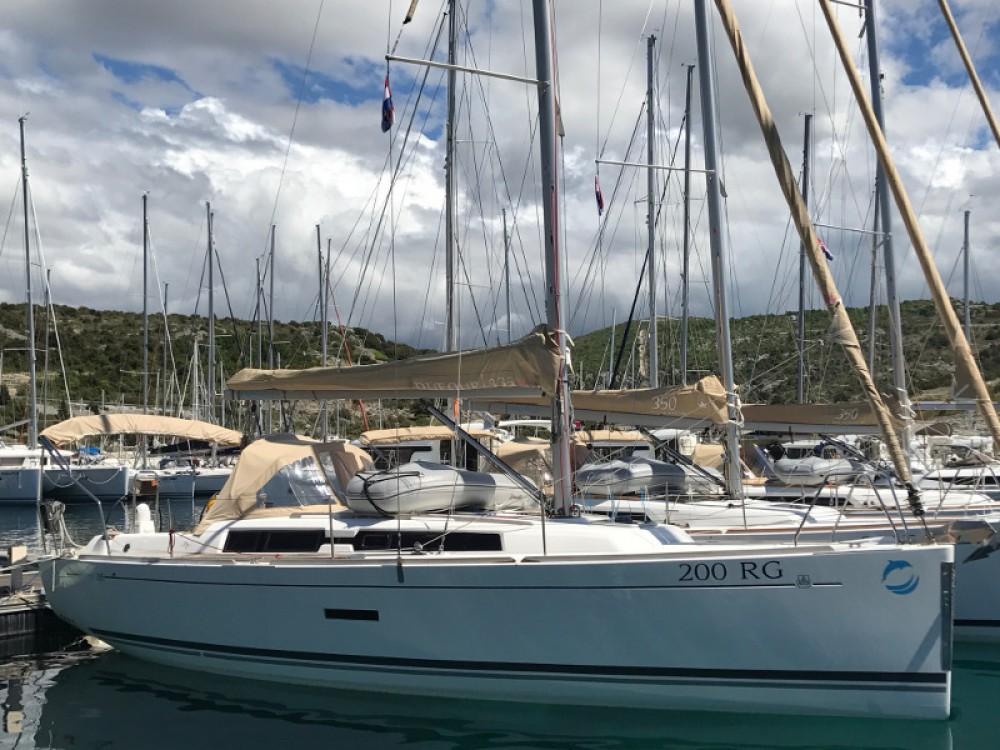 Boat rental Dufour Dufour 335 Grand Large in Primošten on Samboat