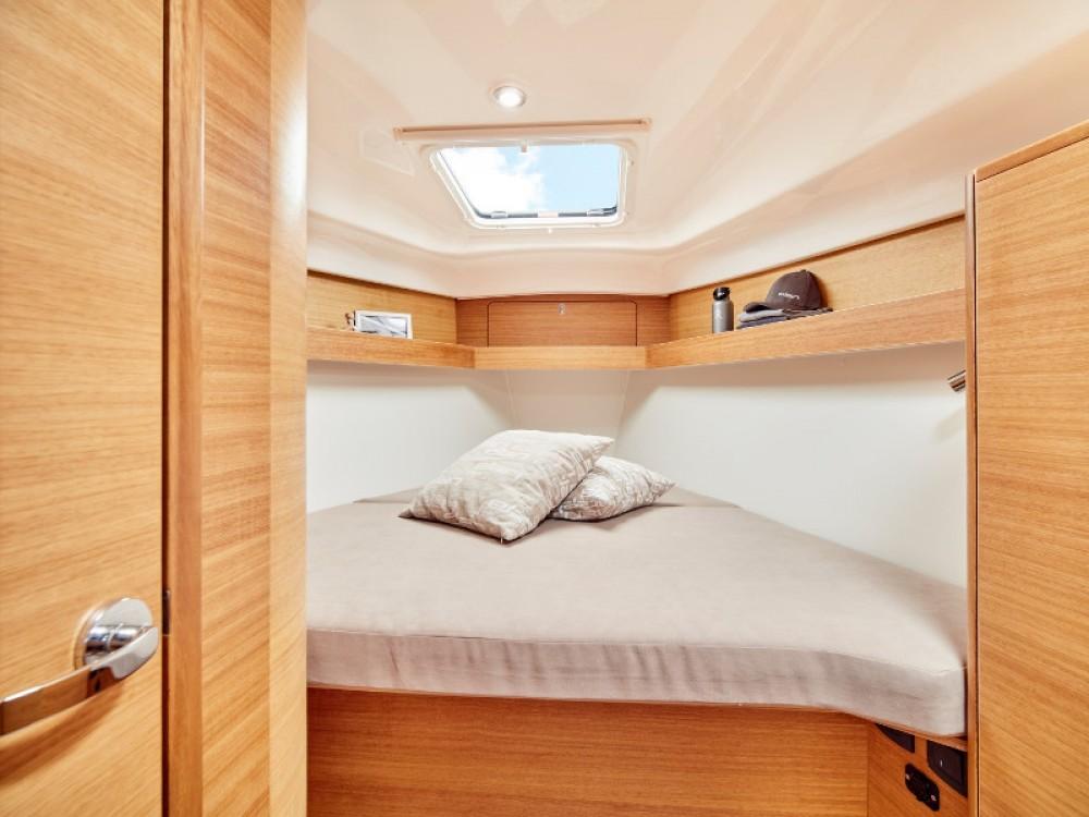 Rental yacht Primošten - Elan Elan 40.1 on SamBoat