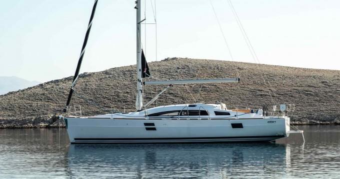 Rental yacht Alimos - Bénéteau Oceanis 40.1 on SamBoat