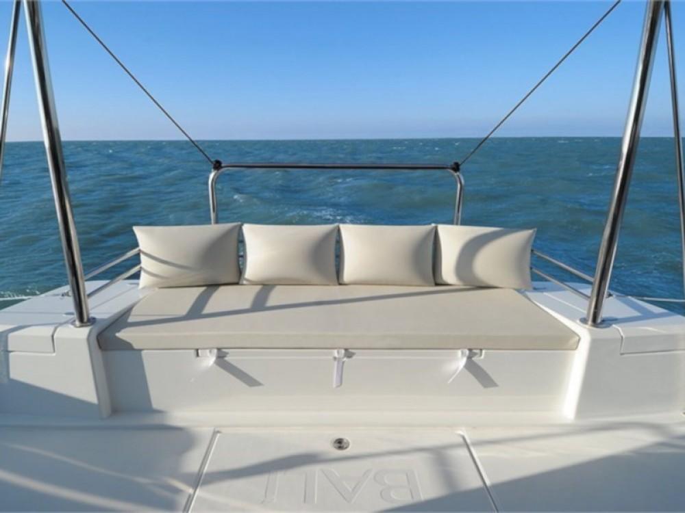 Rental Catamaran Bali with a permit