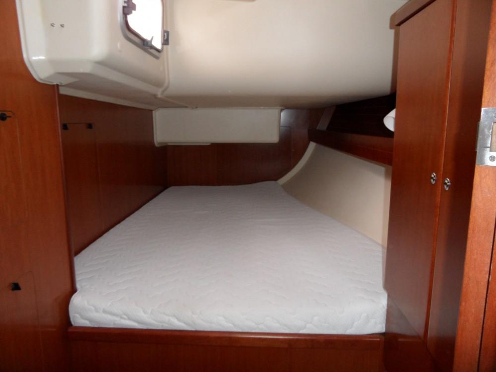 Rental yacht Taranto - Dufour Dufour 425 GL on SamBoat