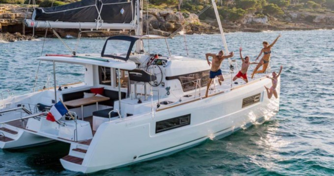 Hire Catamaran with or without skipper Lagoon Ao Po