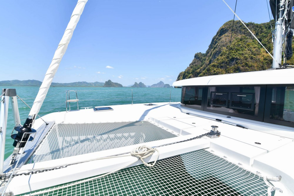 Lagoon Lagoon 42 - 4Cab/4Hd between personal and professional Phuket Province