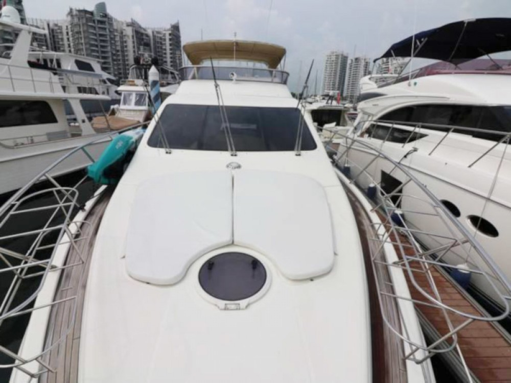 Hire Motorboat with or without skipper Azimut Phuket Province