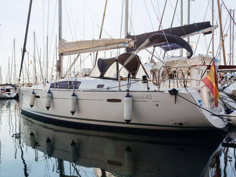 Rental Sailboat in Barcelona - Bénéteau Beneteau Oceanis 43