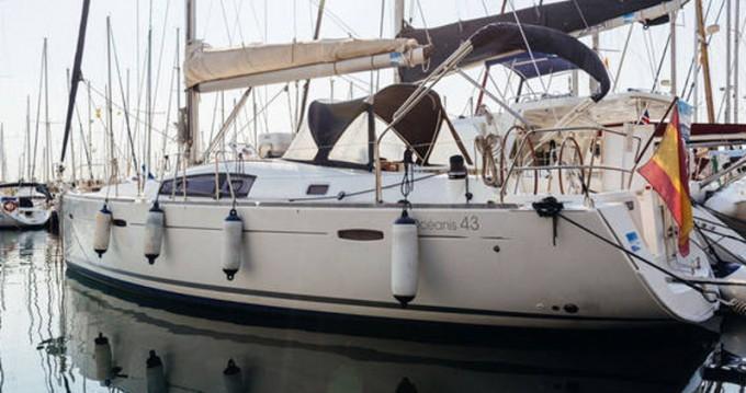 Rental Sailboat in Barcelona - Bénéteau Oceanis 43