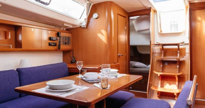 Rental yacht Barcelona - Bénéteau Oceanis 43 on SamBoat