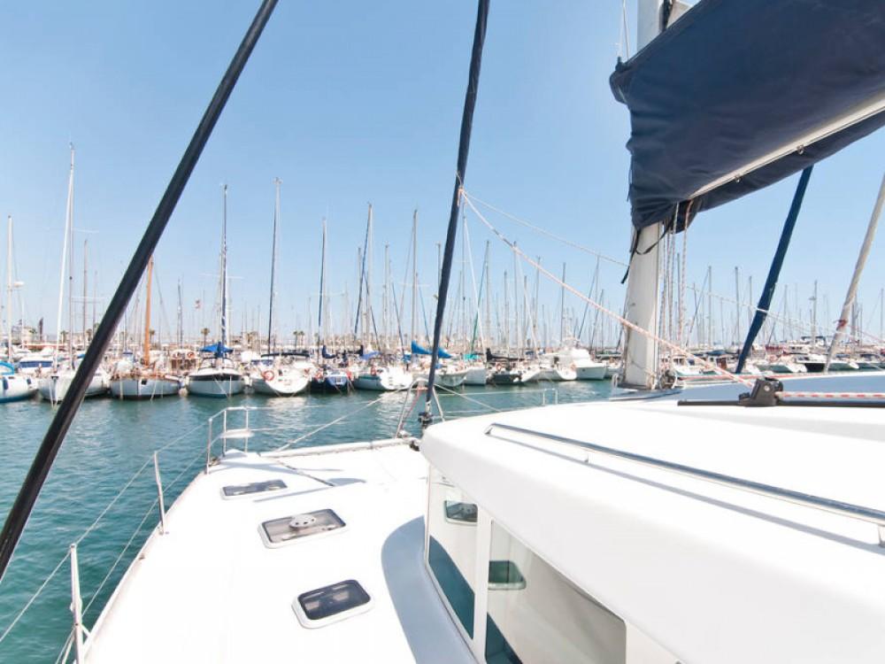 Boat rental Barcelona cheap Lagoon 440