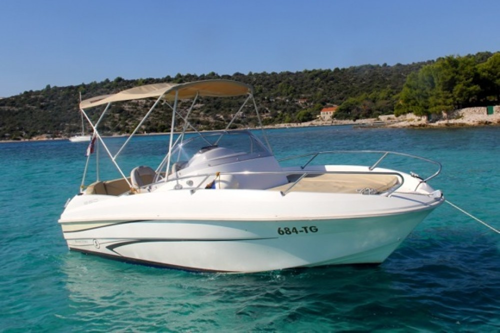 Bénéteau Beneteau Flyer 550 SD between personal and professional Trogir