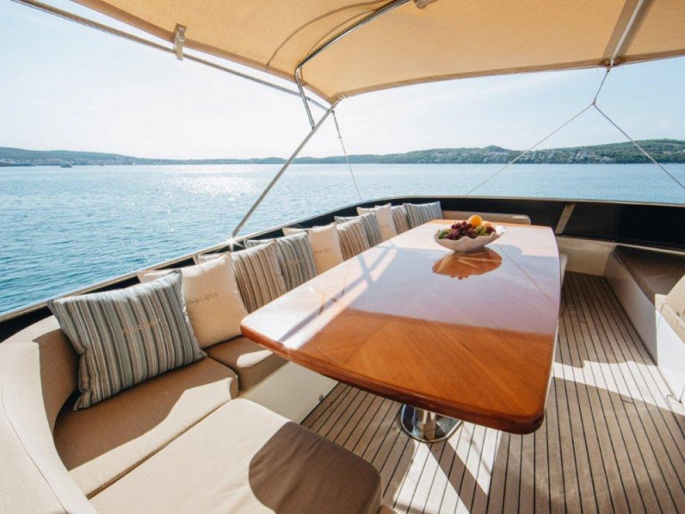 Hire Yacht with or without skipper  Seget Donji