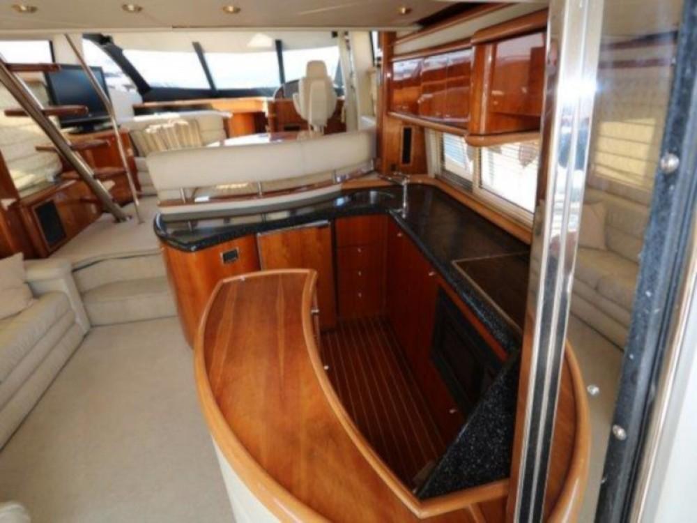 Boat rental Sunseeker Sunseeker 64 in Seget Donji on Samboat