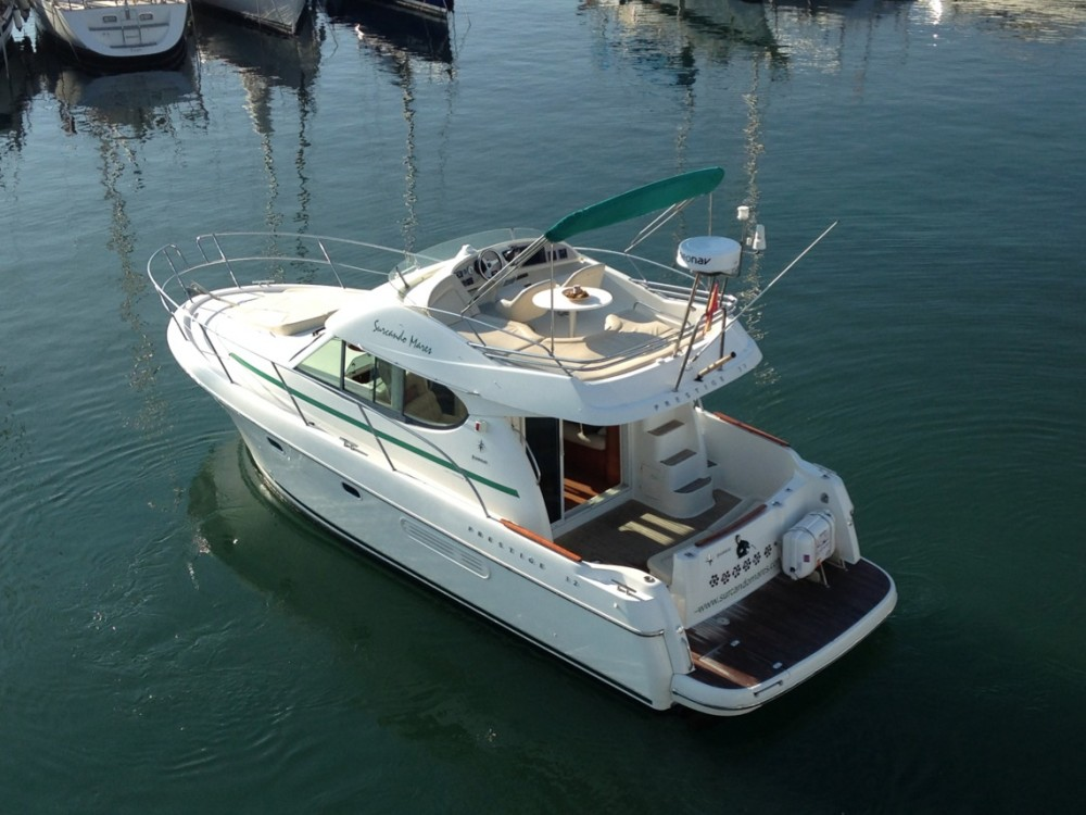 Rental yacht Port esportiu d'Aiguadolç - Jeanneau Prestige 32 on SamBoat