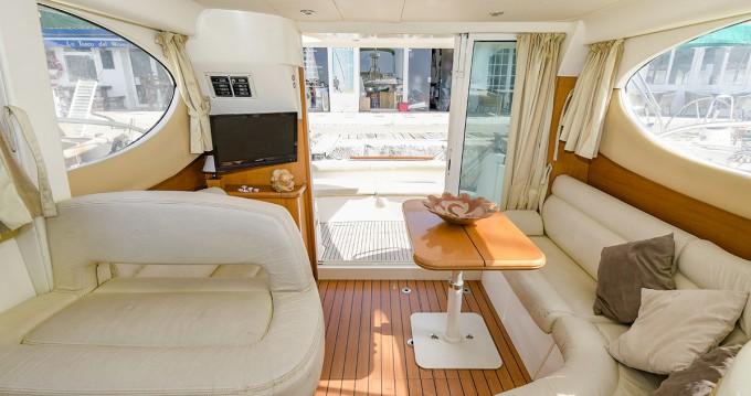 Hire Motorboat with or without skipper Jeanneau Port de Sitges Aiguadolç