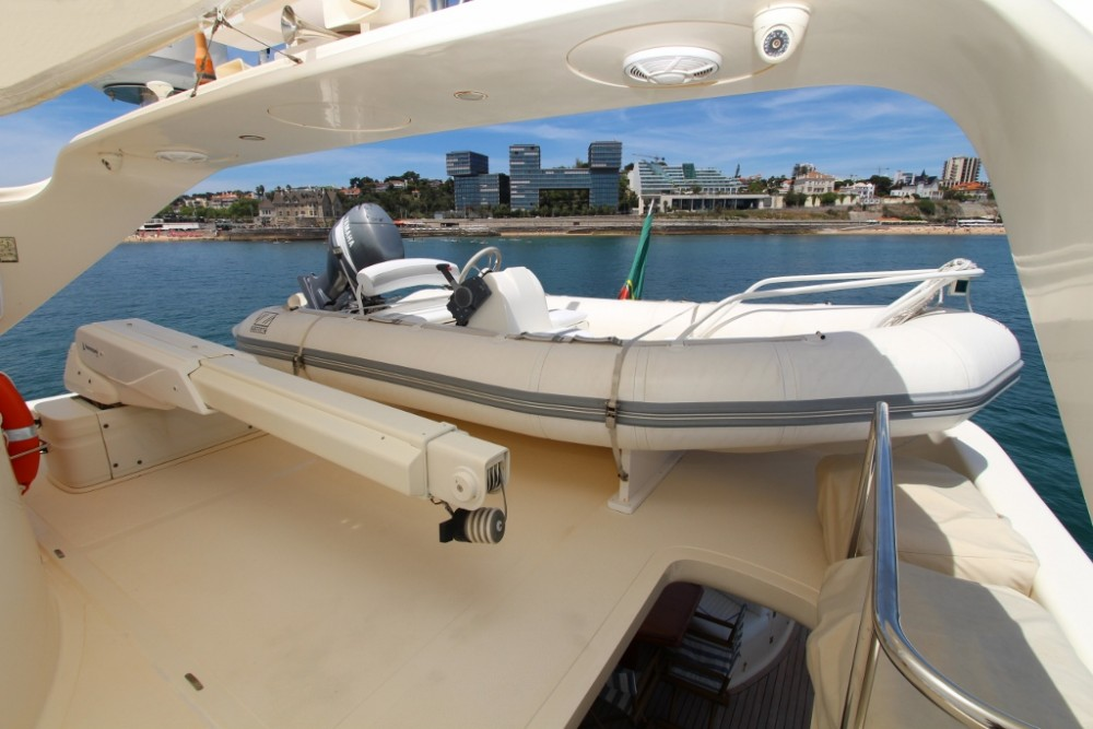 Hire Yacht with or without skipper Astondoa Lisbon