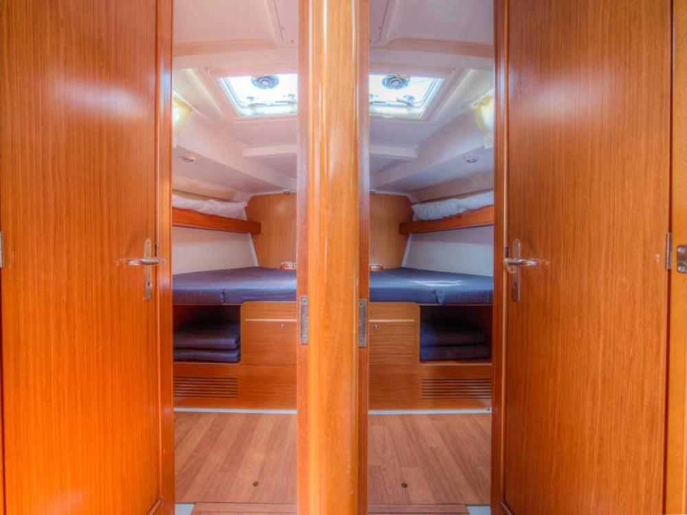 Rental yacht San Vincenzo - Bénéteau Cyclades 50.5 on SamBoat