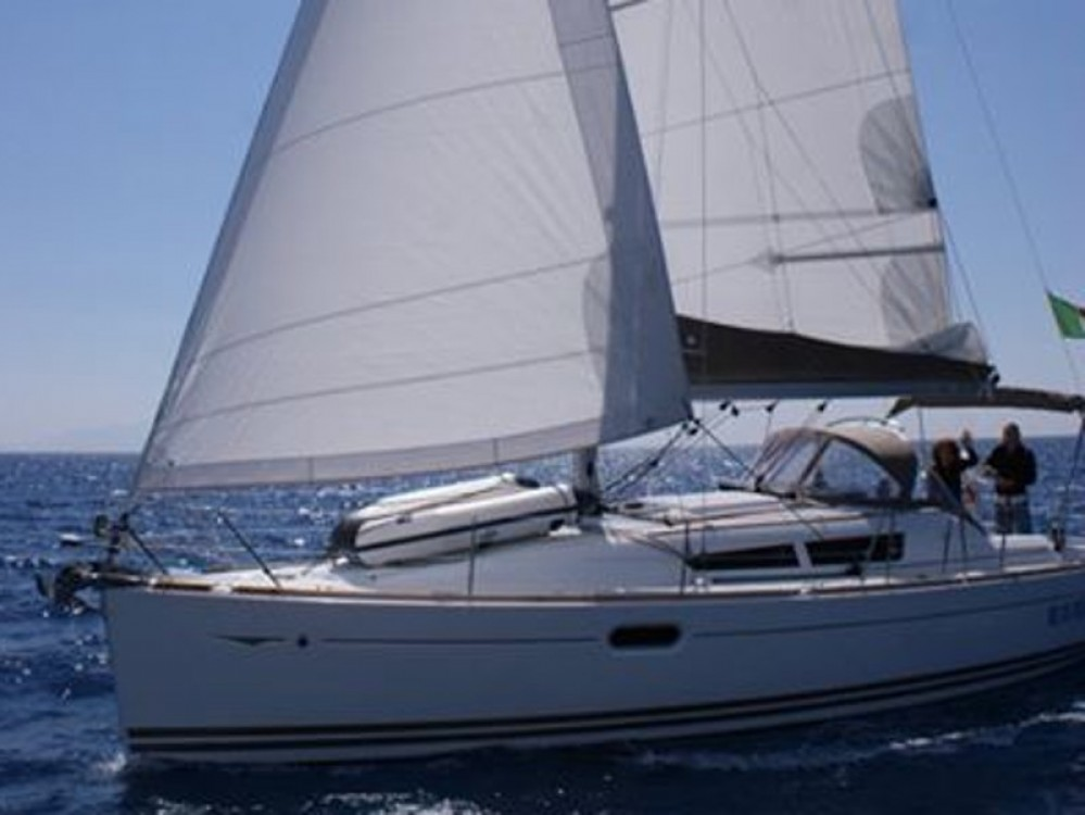 Rent a Jeanneau Sun Odyssey 36i San Vincenzo