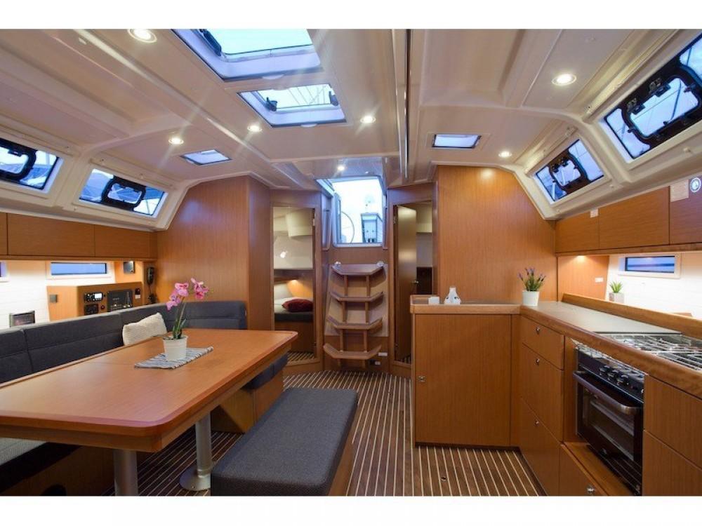 Rental yacht San Vincenzo - Bavaria Bavaria Cruiser 46 on SamBoat