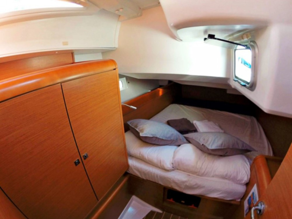 Rental Sailboat in Balearic Islands - Jeanneau Sun Odyssey 439