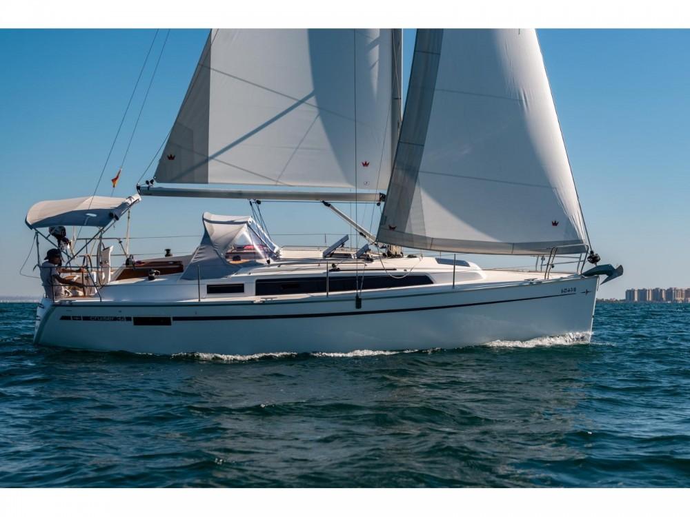 Boat rental Bavaria Bavaria 34 Cruiser in Puerto Deportivo Tomás Maestre on Samboat