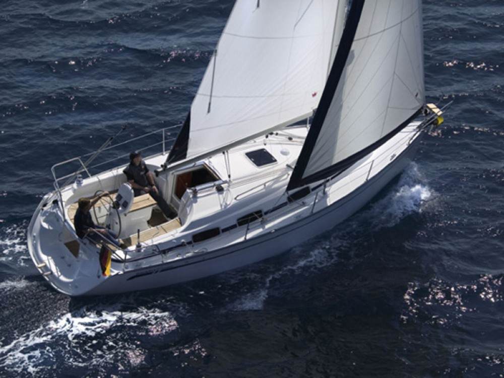 Rent a Bavaria Bavaria 30 Cruiser Puerto Deportivo Tomás Maestre