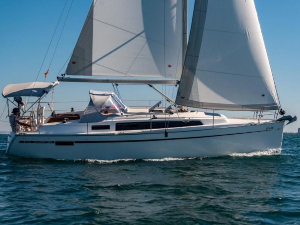 Rental Sailboat in Puerto Deportivo Tomás Maestre - Bavaria Bavaria 34 Cruiser