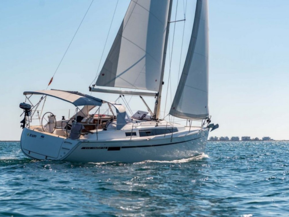 Boat rental Puerto Deportivo Tomás Maestre cheap Bavaria 34 Cruiser