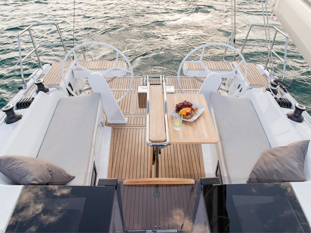 Rental yacht Puerto Deportivo Tomás Maestre - Hanse Hanse 388 on SamBoat