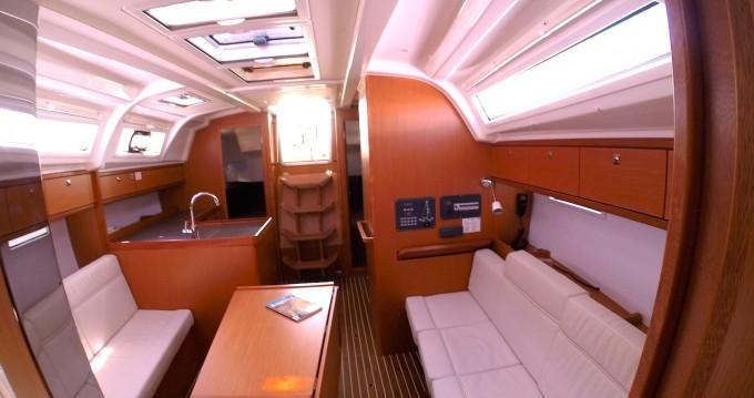 Rental yacht Zadar - Bavaria Cruiser 37 on SamBoat