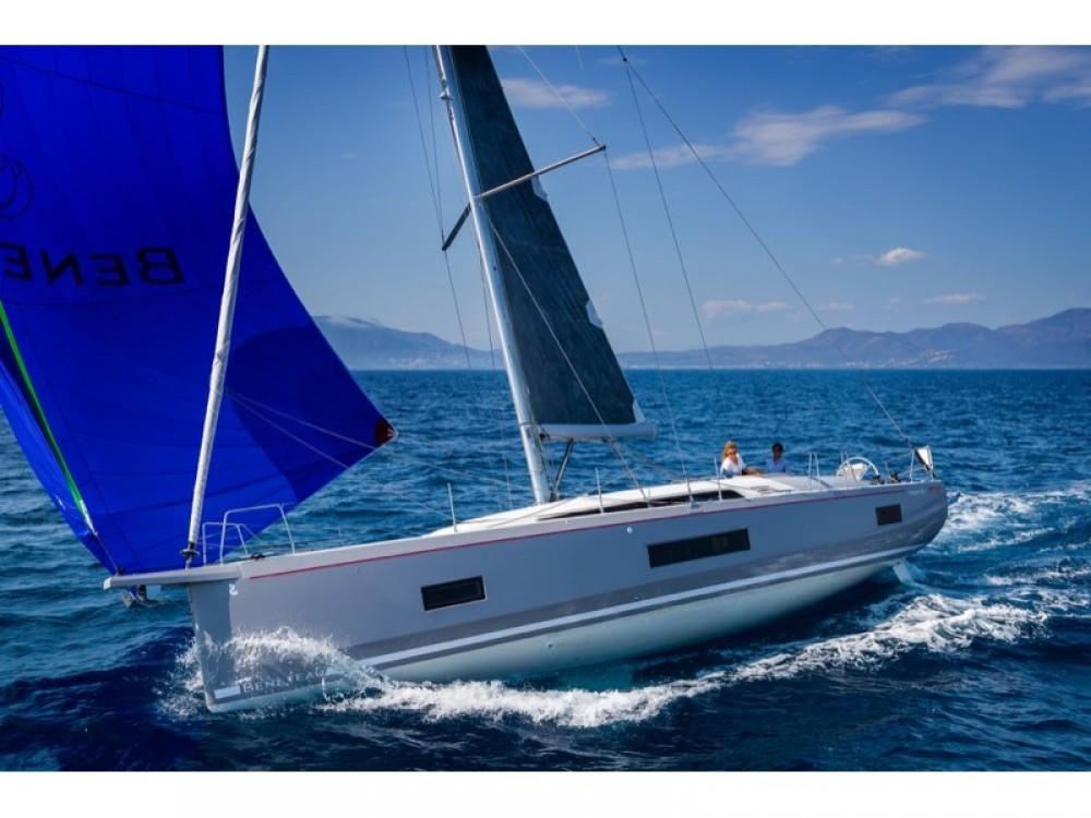 Rental Sailboat in Marina d'Arechi - Bénéteau Oceanis 46.1 (4 cab)