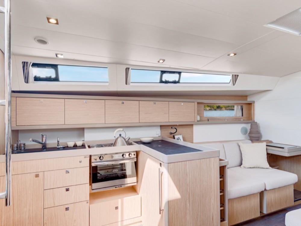 Rental yacht Furnari - Bénéteau Oceanis 45 on SamBoat