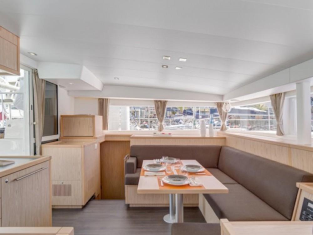 Rental yacht Capo d'Orlando - Lagoon Lagoon 400 S2 on SamBoat