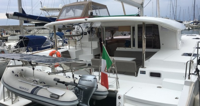 Rent a Lagoon Lagoon 400 S2 Marina di Portorosa