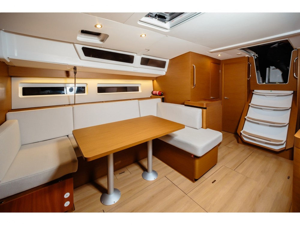 Rental yacht Capo d'Orlando Marina - Jeanneau Sun Odyssey 490 on SamBoat