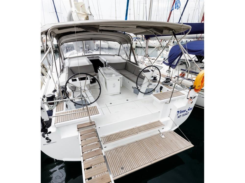 Rental yacht Álimos - Bénéteau Oceanis 51.1 on SamBoat