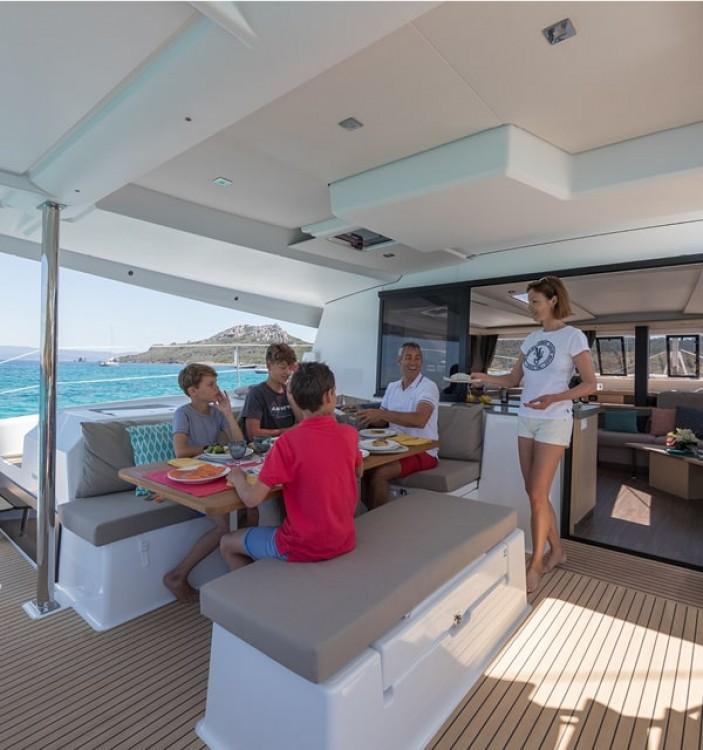 Rental yacht Álimos - Fountaine Pajot Saona 47 on SamBoat