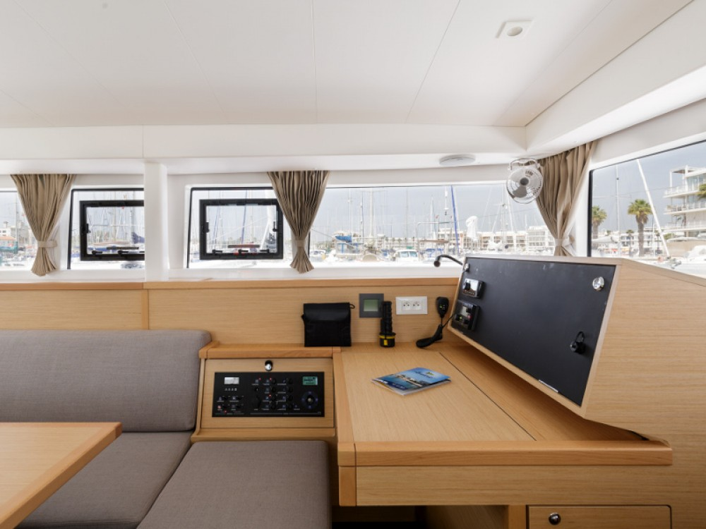 Rental yacht Preveza - Lagoon Lagoon 400 S2 on SamBoat