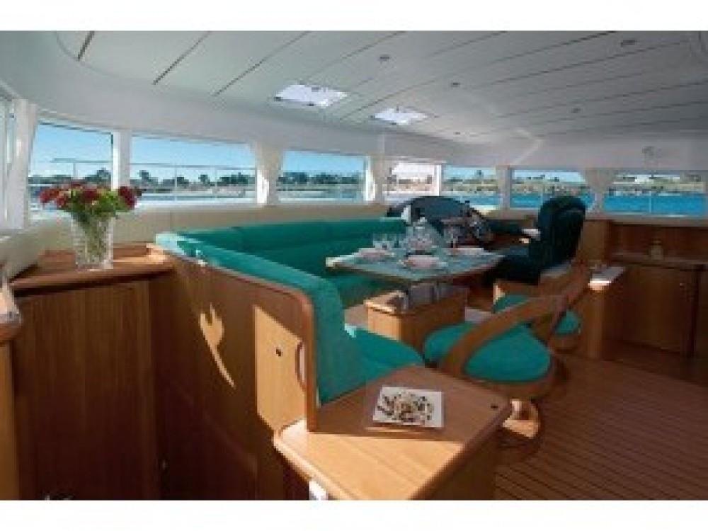 Rental Catamaran in Gassin - Lagoon Lagoon Power 43