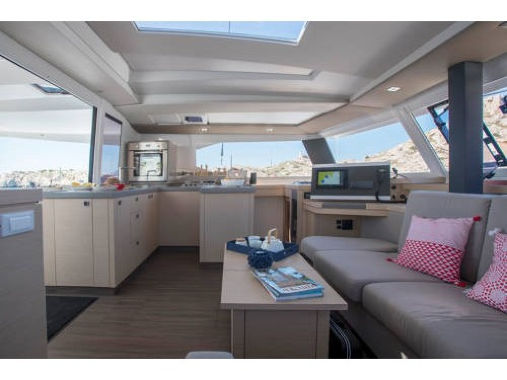 Boat rental Fountaine Pajot Astrea 42 in Gassin on Samboat