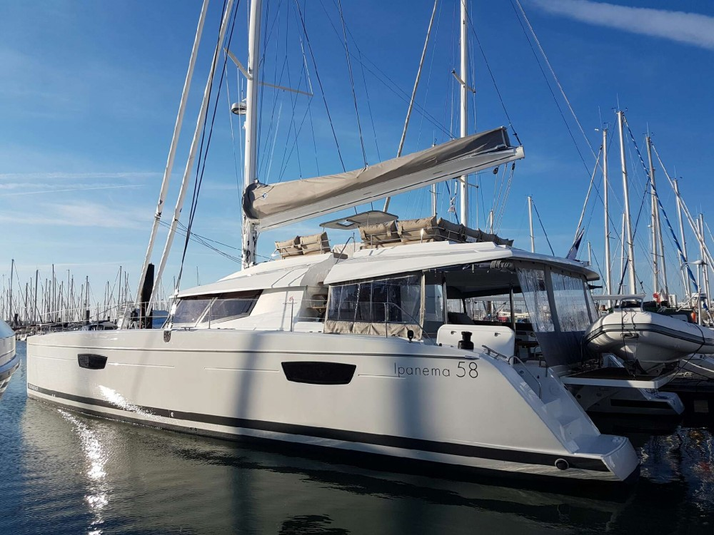Rental Catamaran in Gassin - Fountaine Pajot Ipanema 58