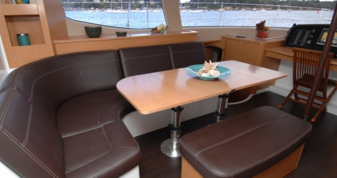 Hire Catamaran with or without skipper Fountaine Pajot Cogolin