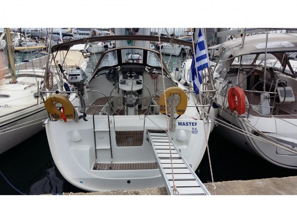 Boat rental Jeanneau Jeanneau Sun Odyssey 35 in Marina Gouvia on Samboat
