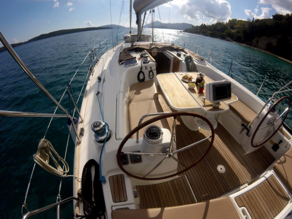 Rental Sailboat in Lefkada - Bénéteau Oceanis 43